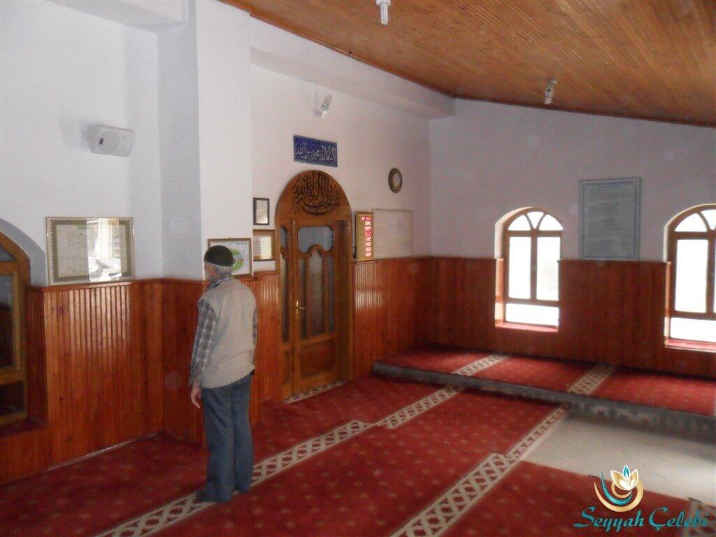 Hacı Özbek Cami Giriş