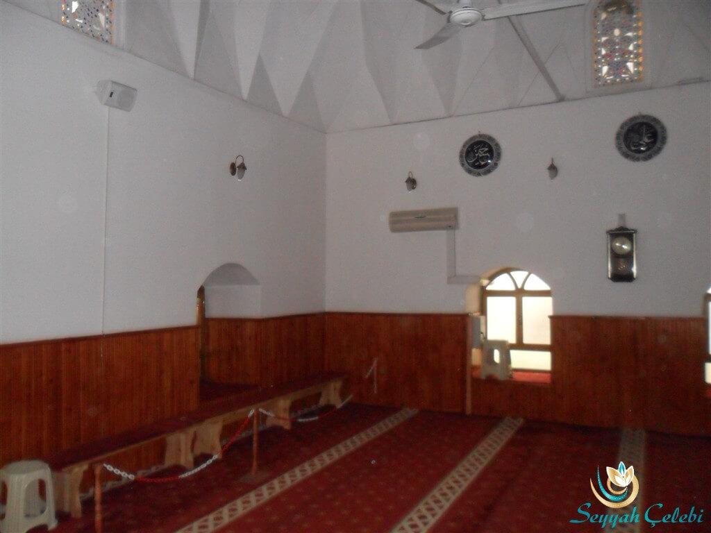 Hacı Özbek Cami Pencereler