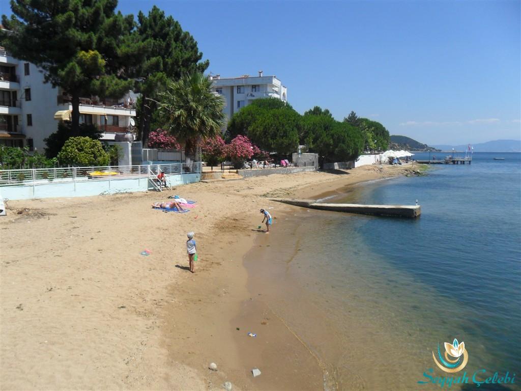 Armutlu Halk Plajı