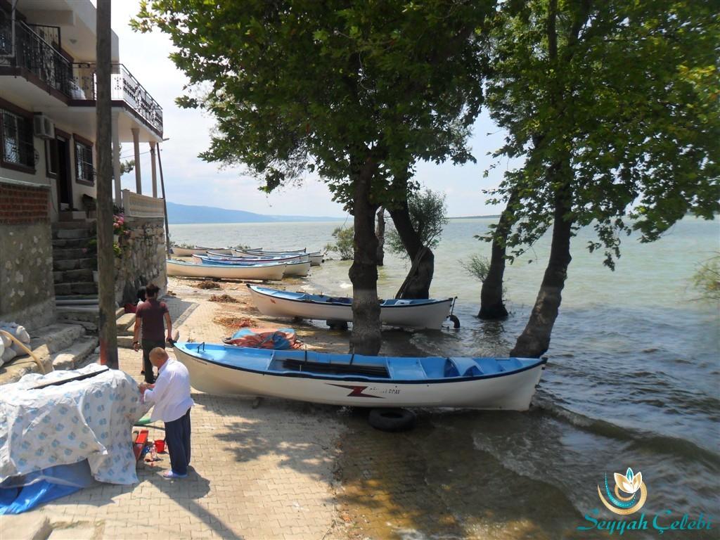 Gölyazı Kıyıları