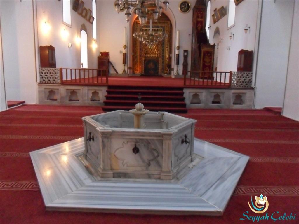 I. Murad Cami Şadırvan ve İç Kısım