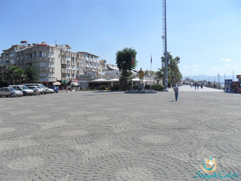 Akçay Sahil Meydan