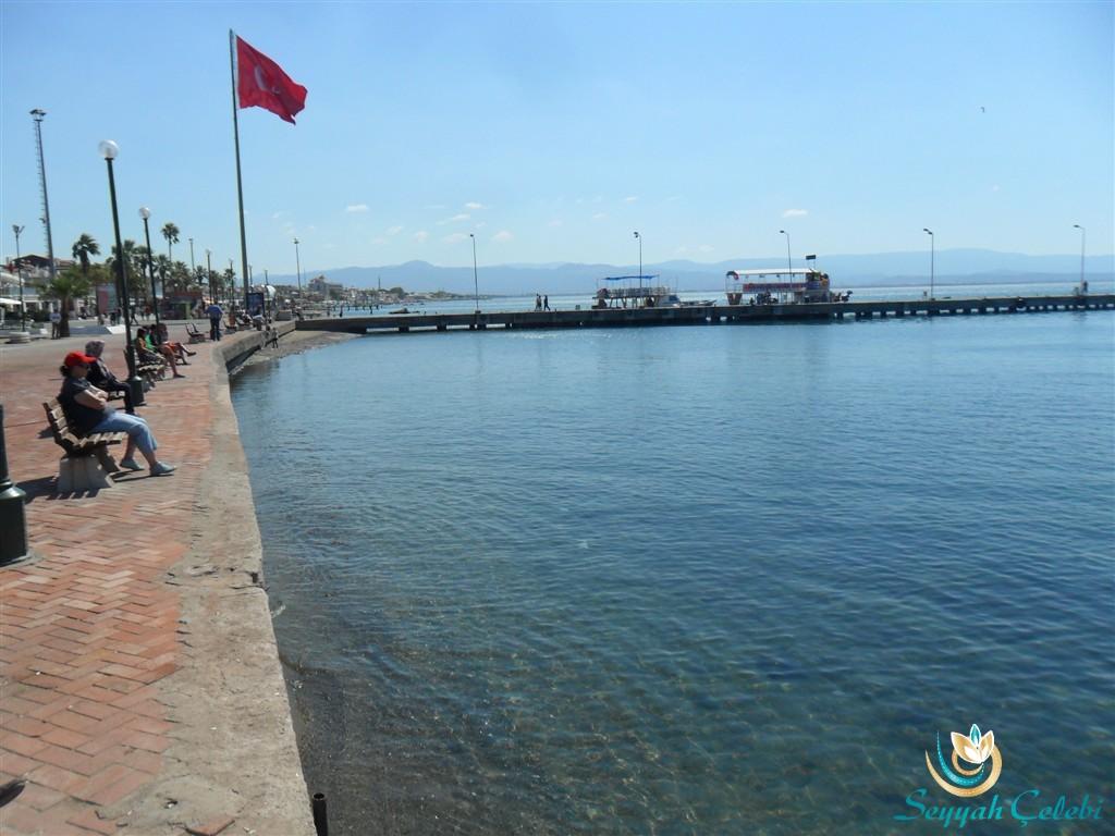 Akçay Sahili Tur Tekneleri