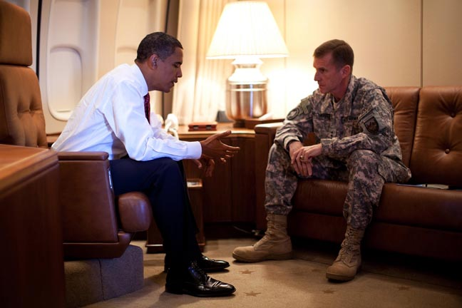 https://i0.wp.com/www.sfbayview.com/wp-content/uploads/2009/11/Obama-McCrystal-on-Air-Force-One-100209-by-beagleone-Free-Republic1.jpg