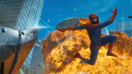 How many Spider-Men can a single new movie hold? (Kevin Smith & Marc Bernardin's geek news review).
