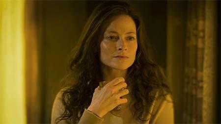 Lara Pulver interviewed about playing Katrynia.