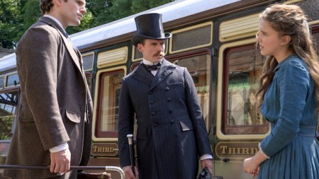 Enola Holmes (Netflix Victorian lady sleuth film: first trailer).