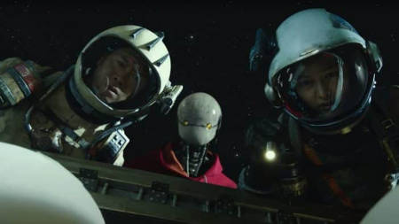 Space Sweepers (new Netflix scifi movie: trailer).