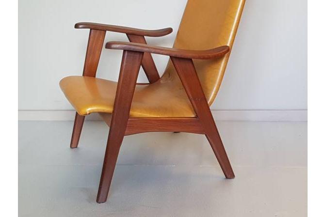 Easy chair van Louis van Teeffelen voor WeBe nieuw te