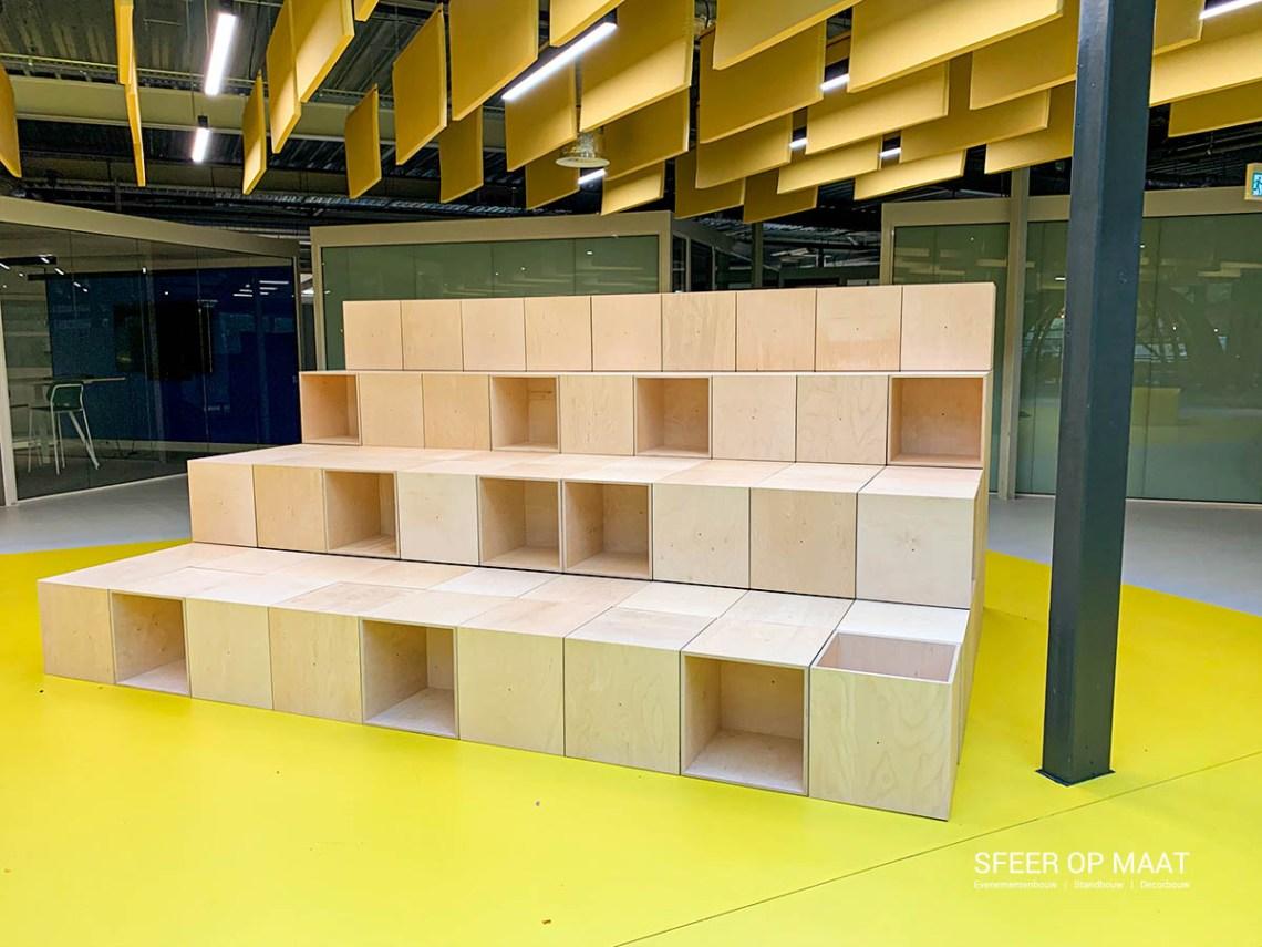 Heijmans Rosmalen tribune van modulaire kubussen