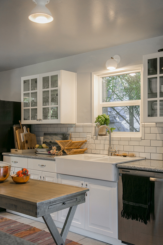 bright white kitchen light fixtures with Phillips LED light bulbs / sfgirlbybay