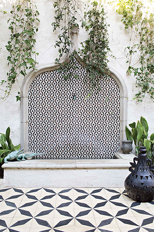 black and white geometric tile in outdoor courtyard / sfgirlbybay