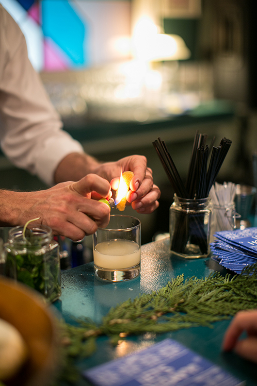 expert cockatil prep at skyy holiday party / sfgirlbybay