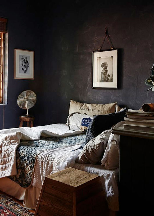 textured dark bedroom walls / sfgirlbybay