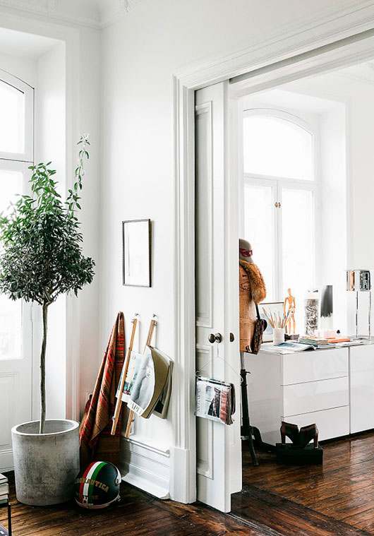 simple and clean decor in swedish apartment / sfgirlbybay