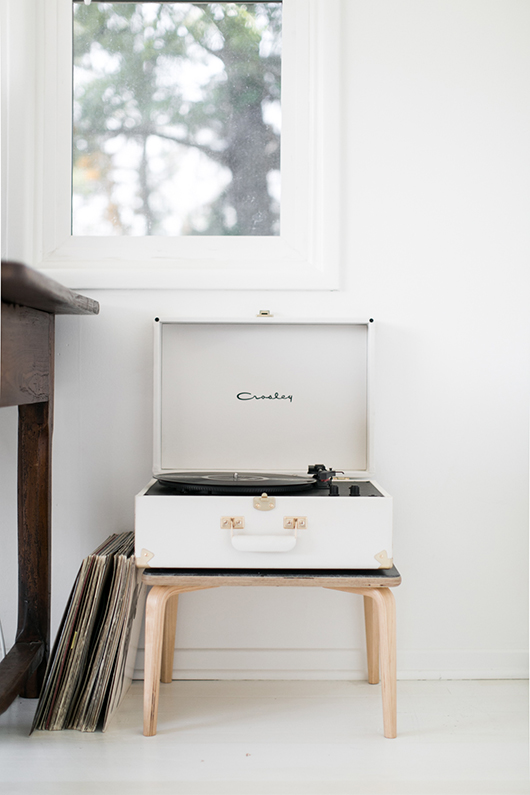 white crosley suitcase record player / sfgirlbybay