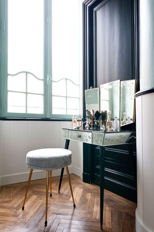 vintage mirrored vanity area in paris penthouse / sfgirlbybay