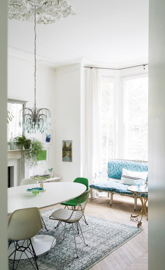 modern victorian home with pops of green and blue decor. / sfgirlbybay
