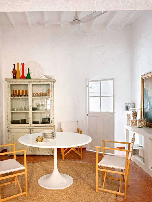 white beamed ceilings in dining room of Mallorca, spain vacation home. / sfgirlbybay