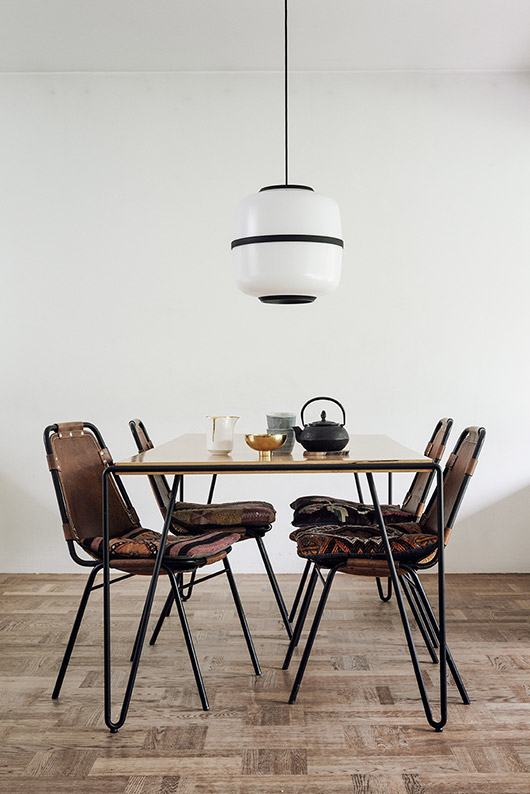 bohemian modern dining space with pendant lamp / sfgirlbybay