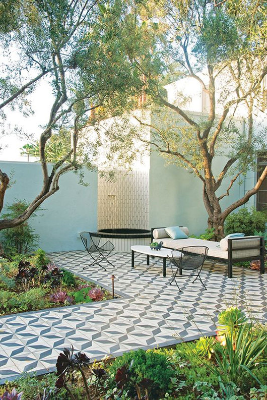 patio featured in Judy Kameon's book, Gardens Are For Living: Design Inspiration for Outdoor Spaces, via vogue living. / sfgirlbybay
