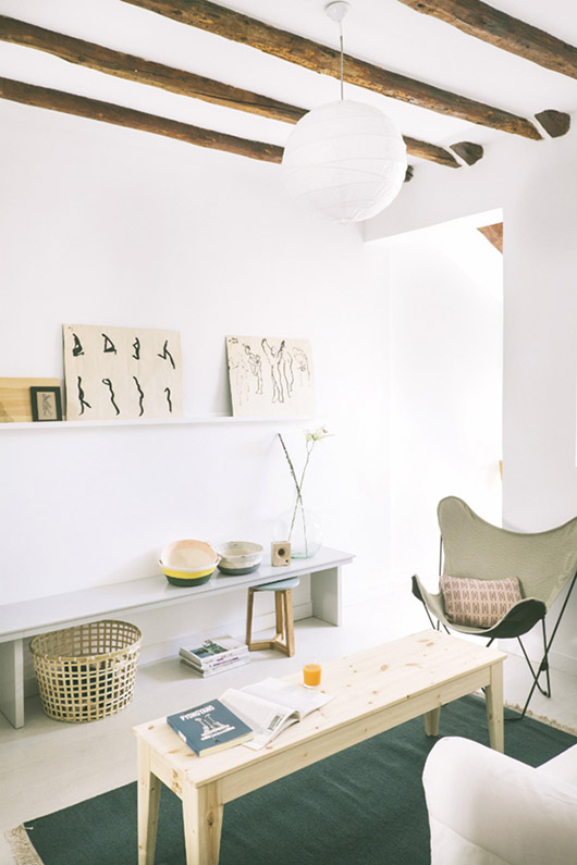 bohemian-feeling loft apartment in spain wiht paper lantern light and beamed ceilings / sfgirlbybay