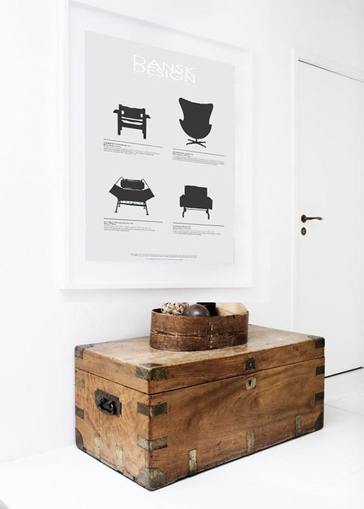 wooden trunk as side table / sfgirlbybay
