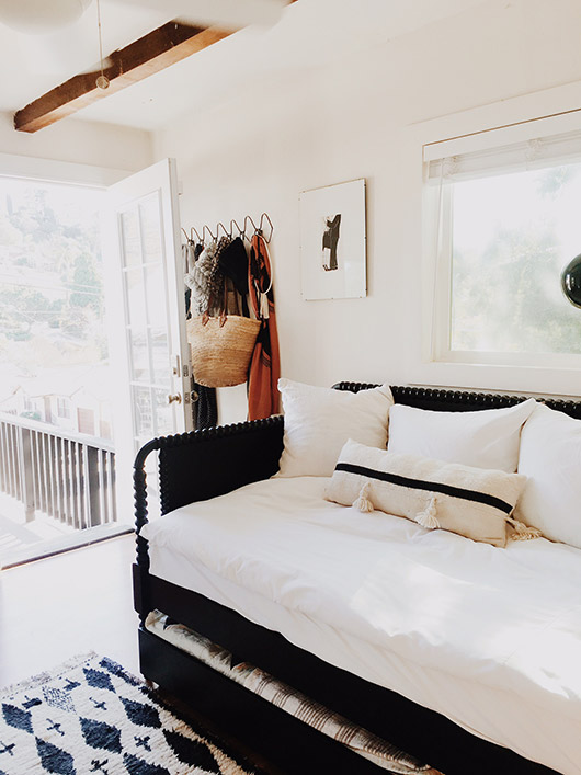 studio daybed bedding and throw pillows. / sfgirlbybay