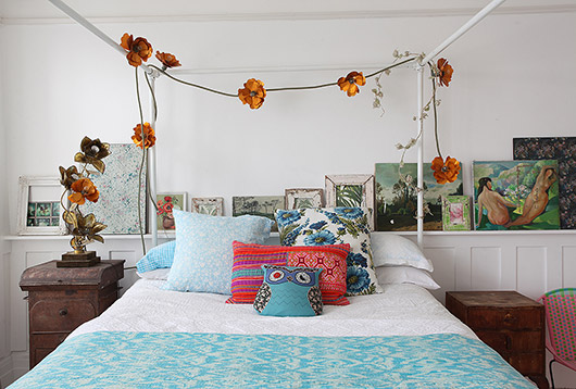 cheerful bohemian modern bedroom decor via light locations london. / sfgirlbybay