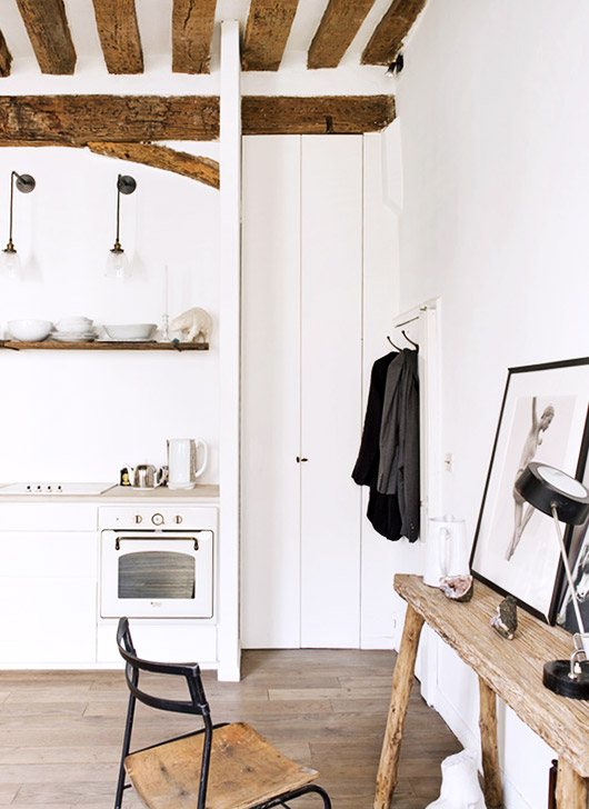Photographer Matthew Brookes apartment in le marais. / sfgirlbybay