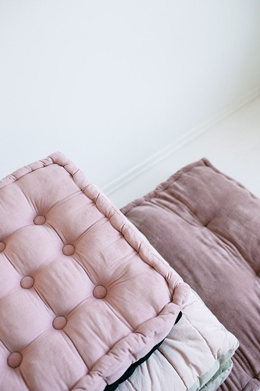 pink floor cushions from urban outfitters. / sfgirlbybay