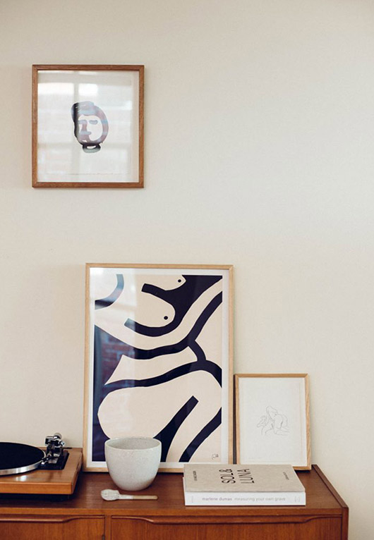 curated collection in home of artist caroline walls. / sfgirlbybay