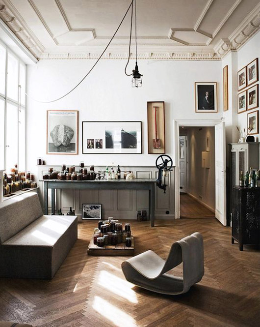 curated collections in vintage modern living room. / sfgirlbybay
