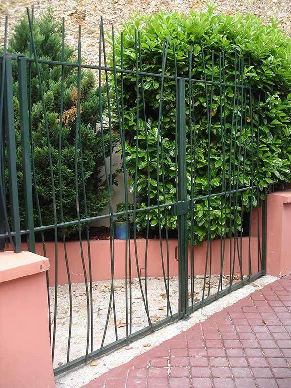 Fabrication de grilles, portails et portes en fer contemporain SFMP 78