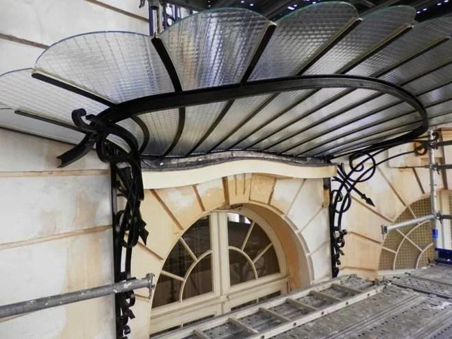 Restauration d'une marquise entreprise ferronnerie d'art paris