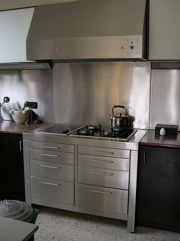 Piano de cuisine inox amenagement sur mesure Yvelines