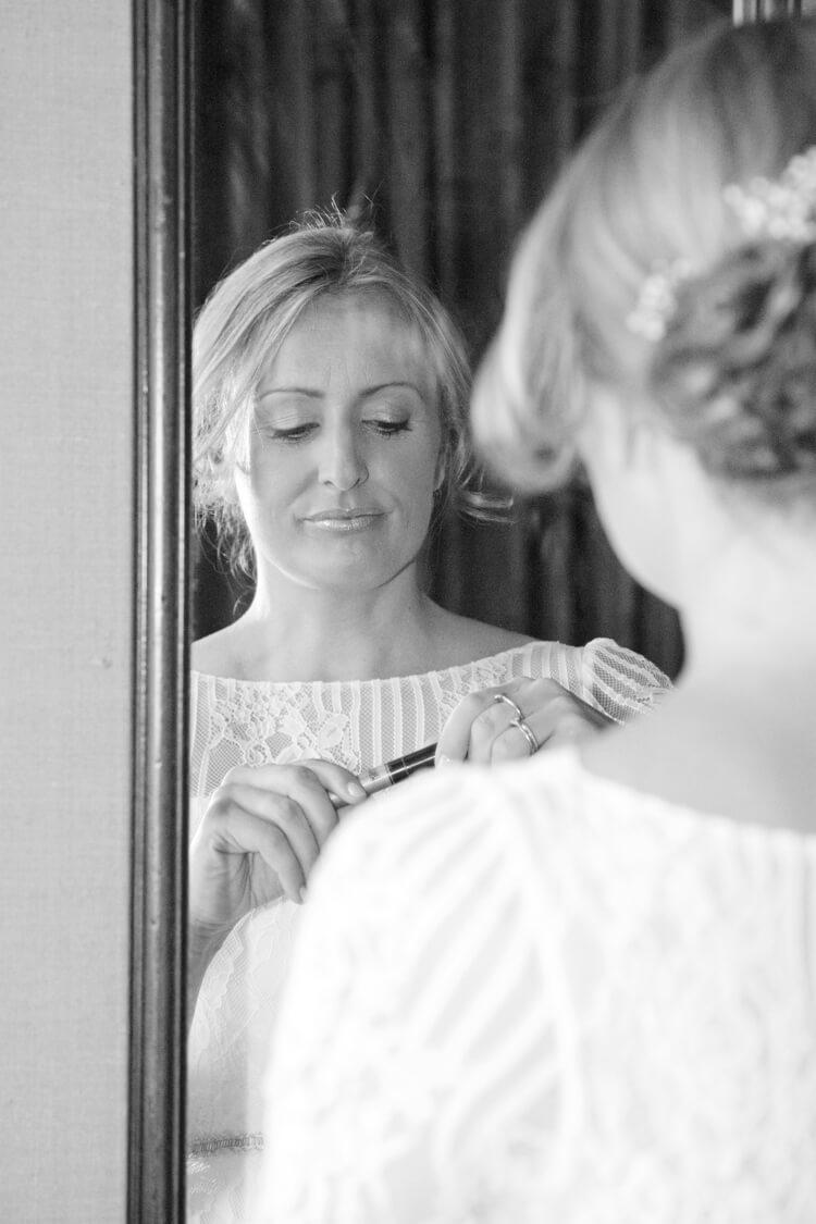 Professional wedding photographer 31SH