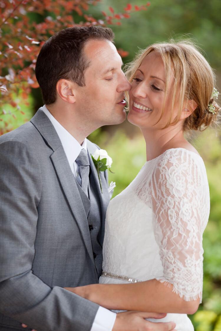Professional wedding photographer 37SH