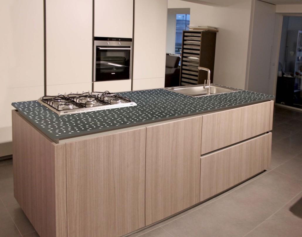 Top cucina in pietra lavica  SGARLATA  Lavorazione Marmi