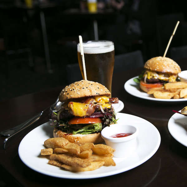 The Oxford Hotel Burger and Beer 600x600pxl