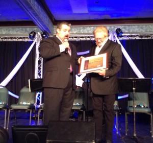 Lou Hildreth Award Presented to Willie Wynn by Jonathan Edwards