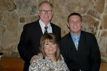 """This Week's Harmony Road Features Troy Burns Family """"I'm Praying for You"""""""