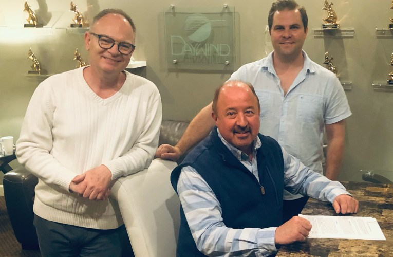 John Darin Rowsey Re-Signs with Daywind Music Publishing