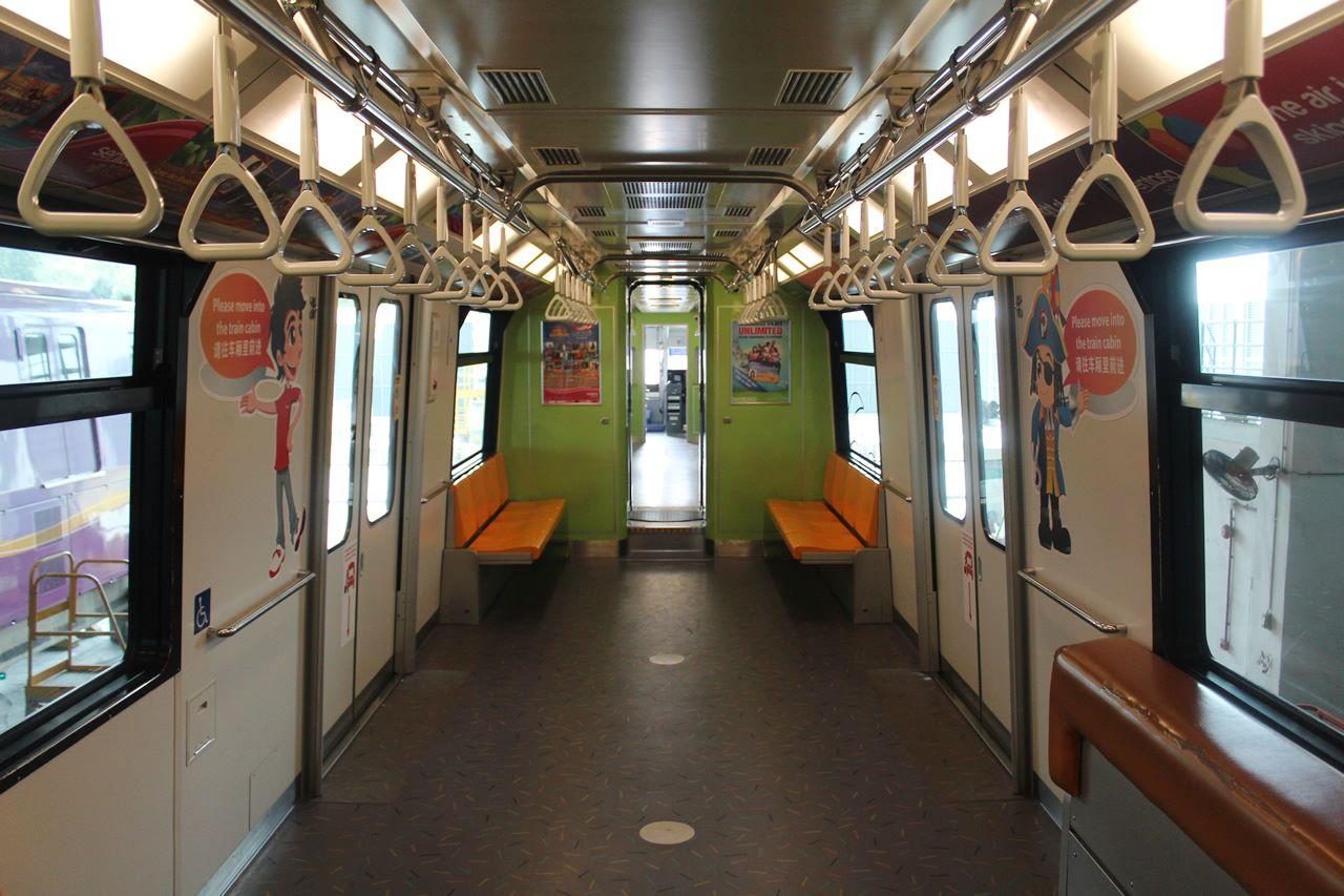 Hitachi Small Type Monorail Sentosa Express