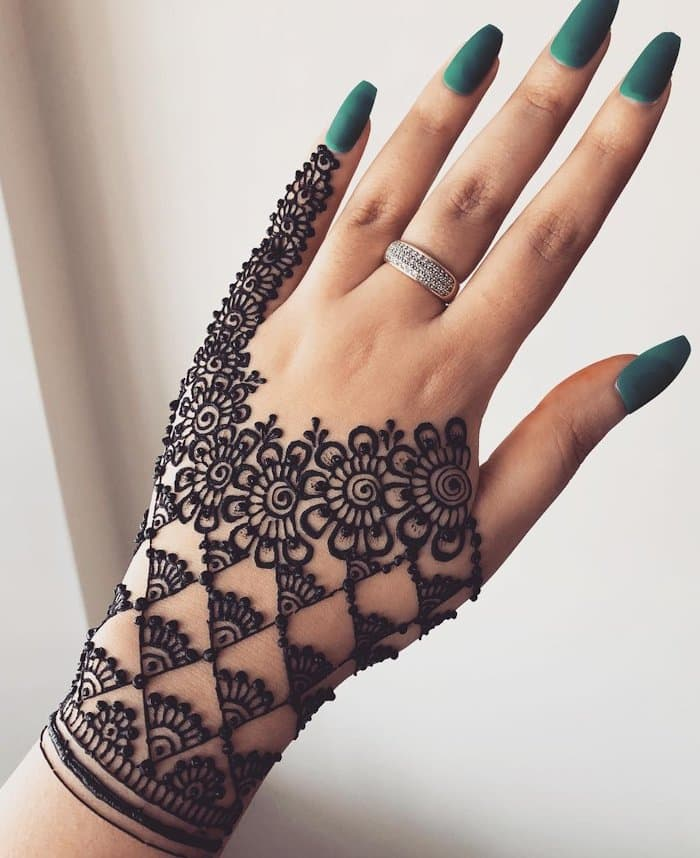 Simple Arabic Mehndi Design Full Hand