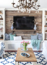 How to Build a Pallet Accent Wall