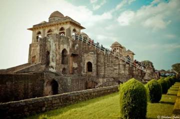 Mandu-Royal-Enclosure-Jahaz Mahal