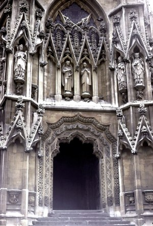 Bristol_St_Mary_Redcliffe_north_porch