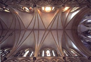 Lincoln_Cathedral_St_Hughs_Choir_vaulting