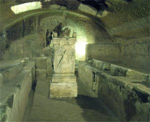 S_Clemente_Mithras_Temple_in_Crypt